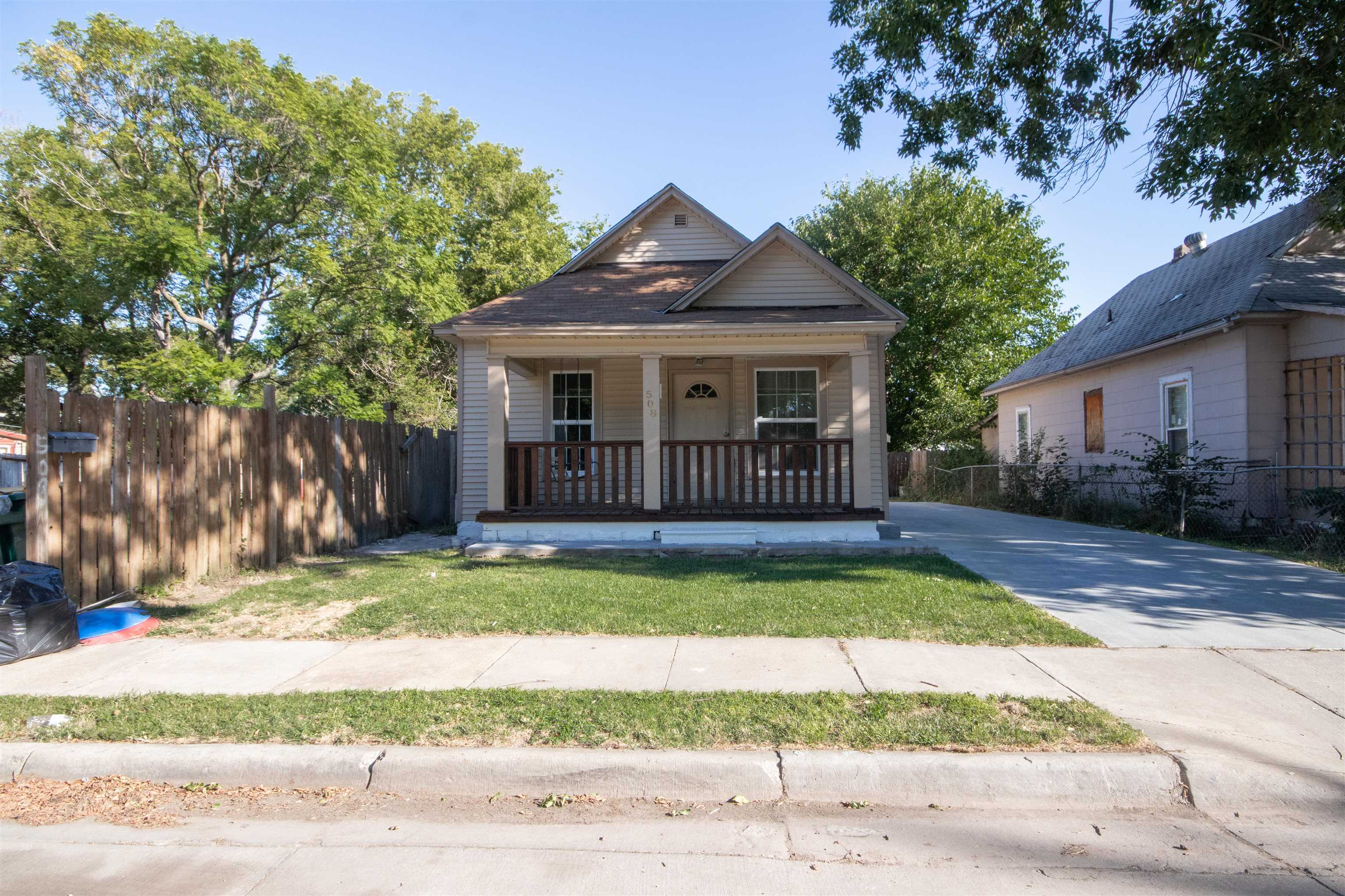 This 2 bedroom, 1 bathroom has been updated and is move-in ready! Great starter home centrally locat