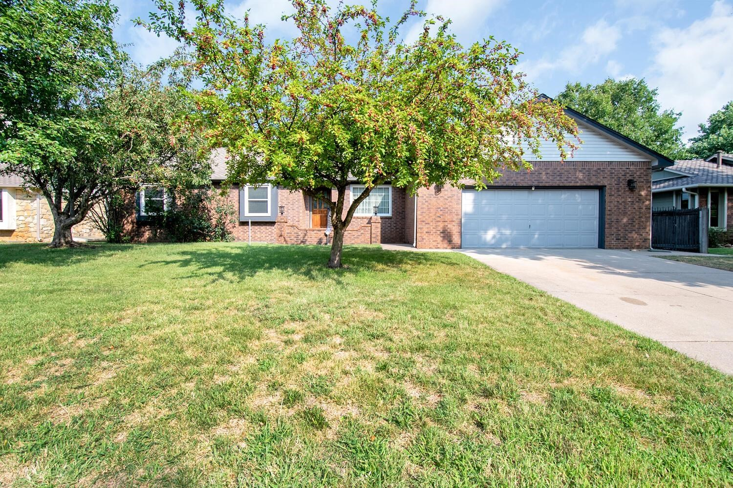 This home is a must see. Nestled in the heart of Gleneagles. Mature trees & large lots. Fantastic ne