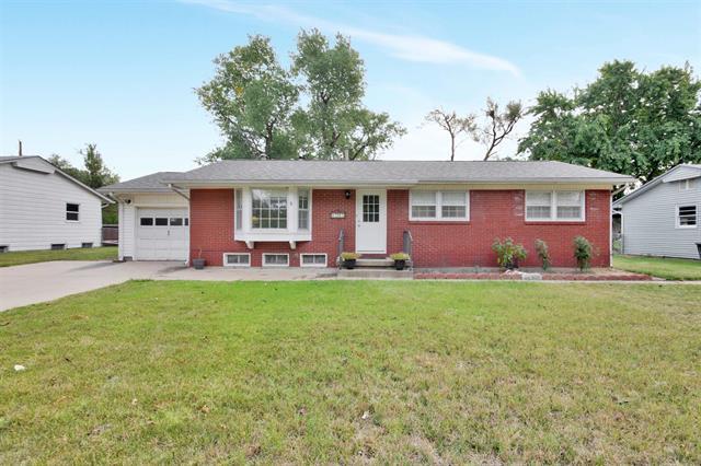 For Sale: 1216 N Summitlawn St, Wichita KS