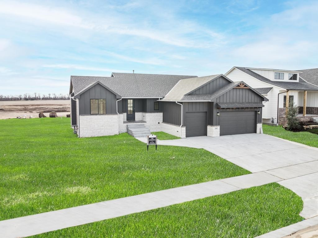 Welcome to Arbor Creek and take a look at the new model offered by Keystone Construction! The Copper