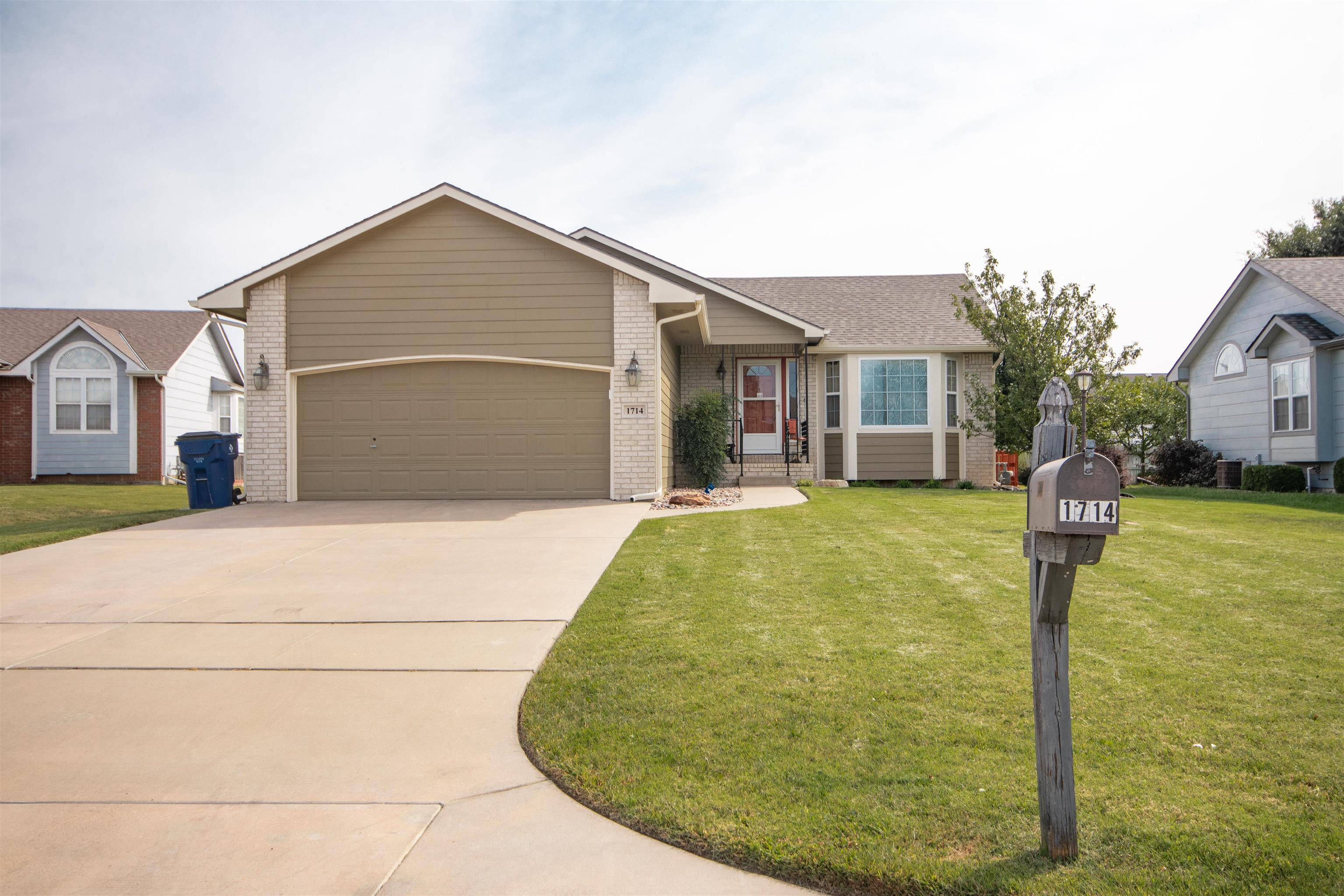 This home is situated in a prime east side location on a quiet cul-de-sac. With easy access to shopp
