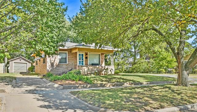 For Sale: 1122 W Irving St, Wichita KS