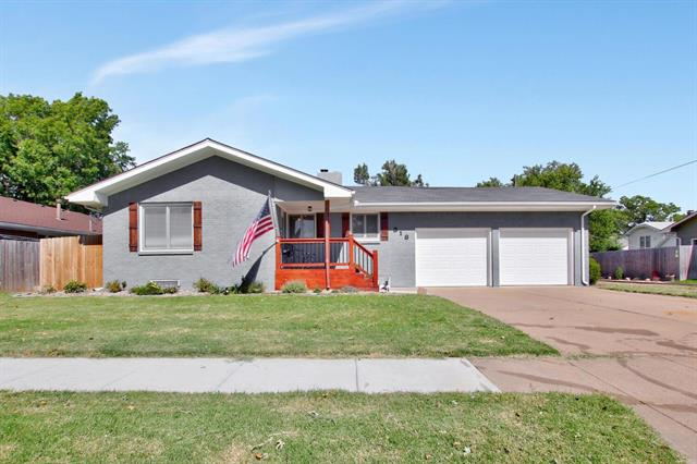 For Sale: 318 W 3rd Ave, Cheney KS