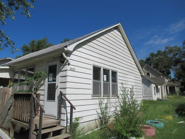 For Sale: 1605 N Poplar, Newton KS