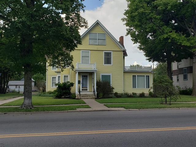 For Sale: 814 E 9th Ave, Winfield KS