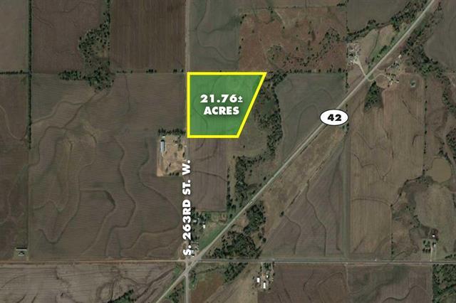 For Sale: 21.76 Acres  on 263rd St W, Viola KS