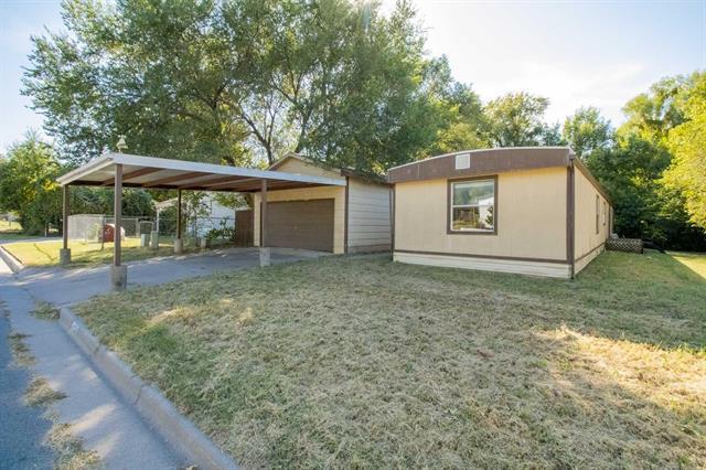 For Sale: 4324 E DEER LAKE CT, Wichita KS