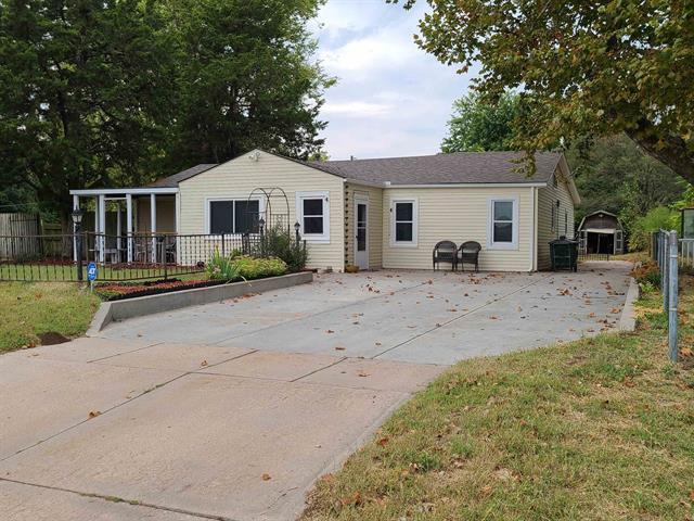 For Sale: 801 N Anna St, Wichita KS