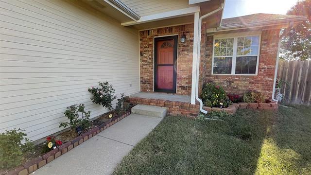 For Sale: 1832 S Chateau St, Wichita KS