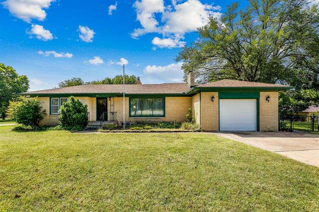 For Sale: 301 S Gorin St, Clearwater KS