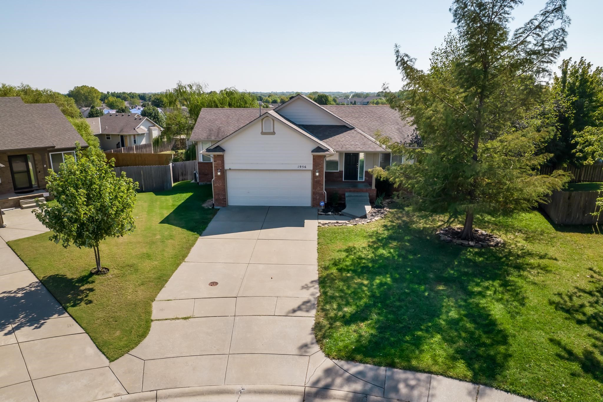 Welcome Home to this darling 4 bedroom, 3 bath home in the desirable Glen Hills Addition. As you ent