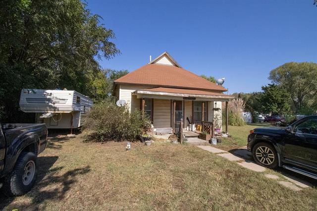 For Sale: 4812 E MAIN ST, Hutchinson KS