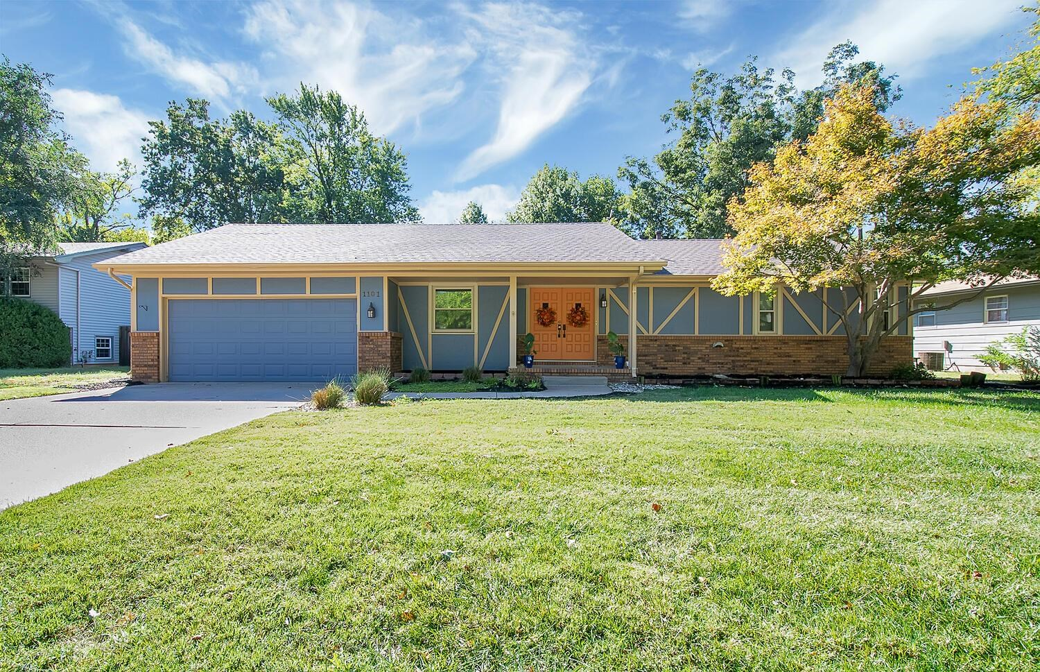 Welcome Home! Beautiful, well maintained, 3 bedroom, 2.5 bath home is now available in Derby Ks. Bas