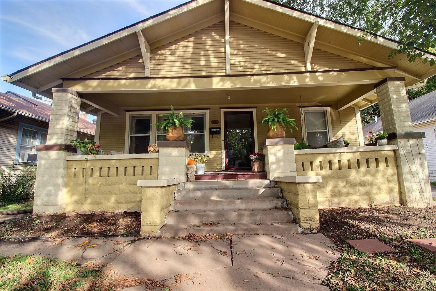 Well maintained Bungalow in the heart of Wichita. 2 large bedrooms on main floor, also 2 small bedro