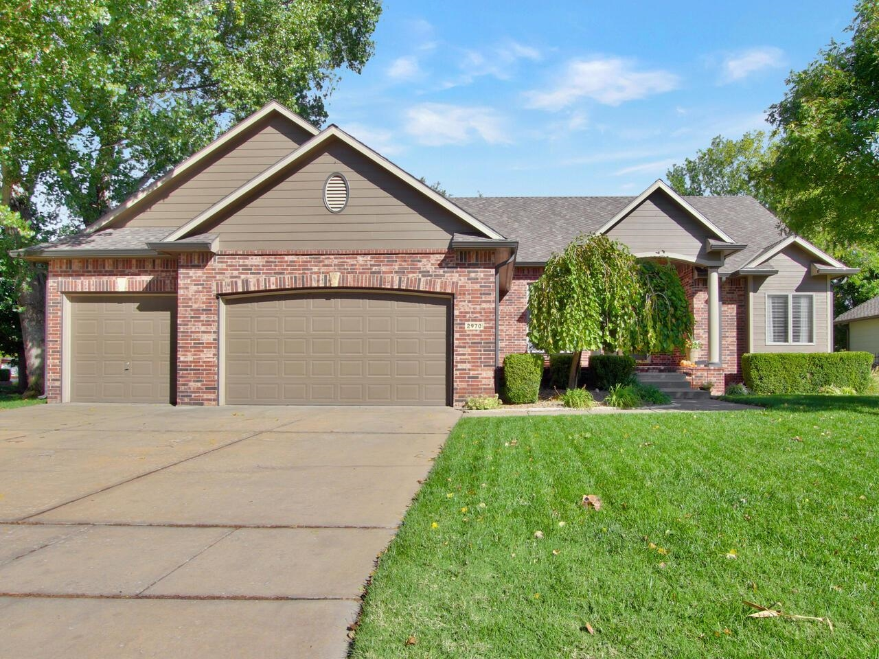 This beautiful 4 bedroom, 3 bath home , located in the highly sought after Reflection Ridge neighbor