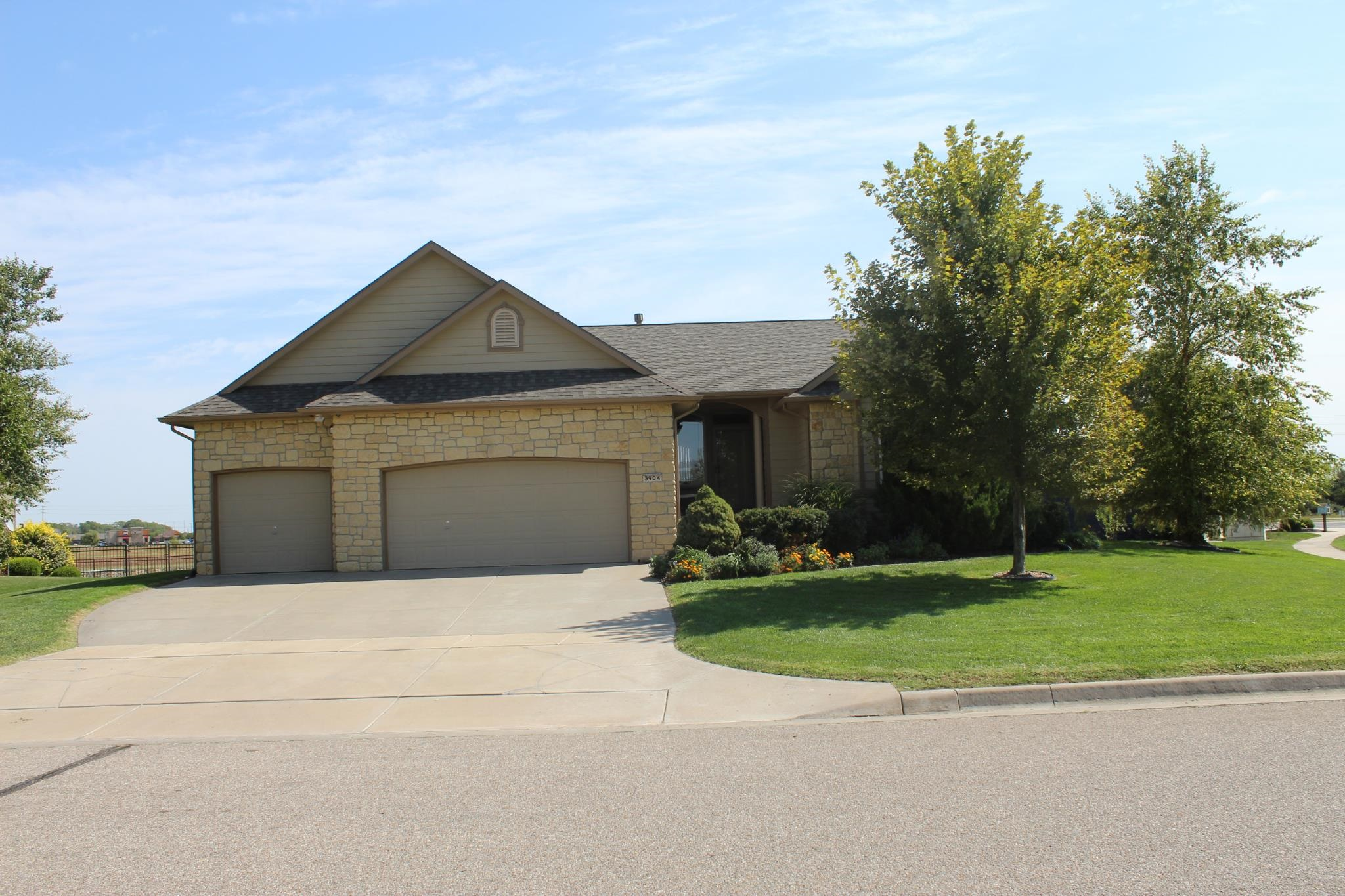 Great Views! A rare opportunity to own this sharp LakeView Maize home, located on a large premium co