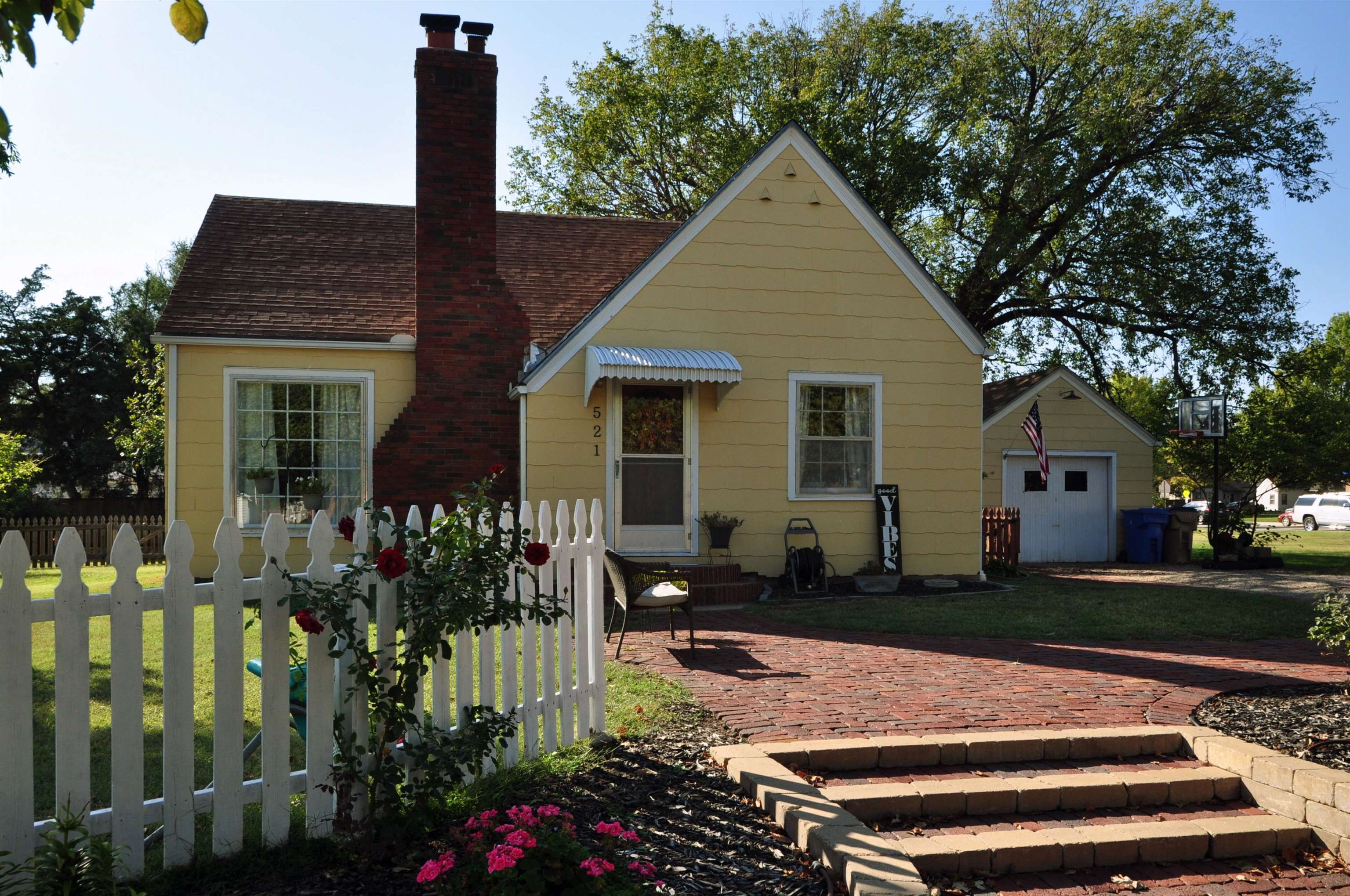 Come and check out this adorable 2 bedroom and 1 bath home on a corner lot in the heart of Cheney. T