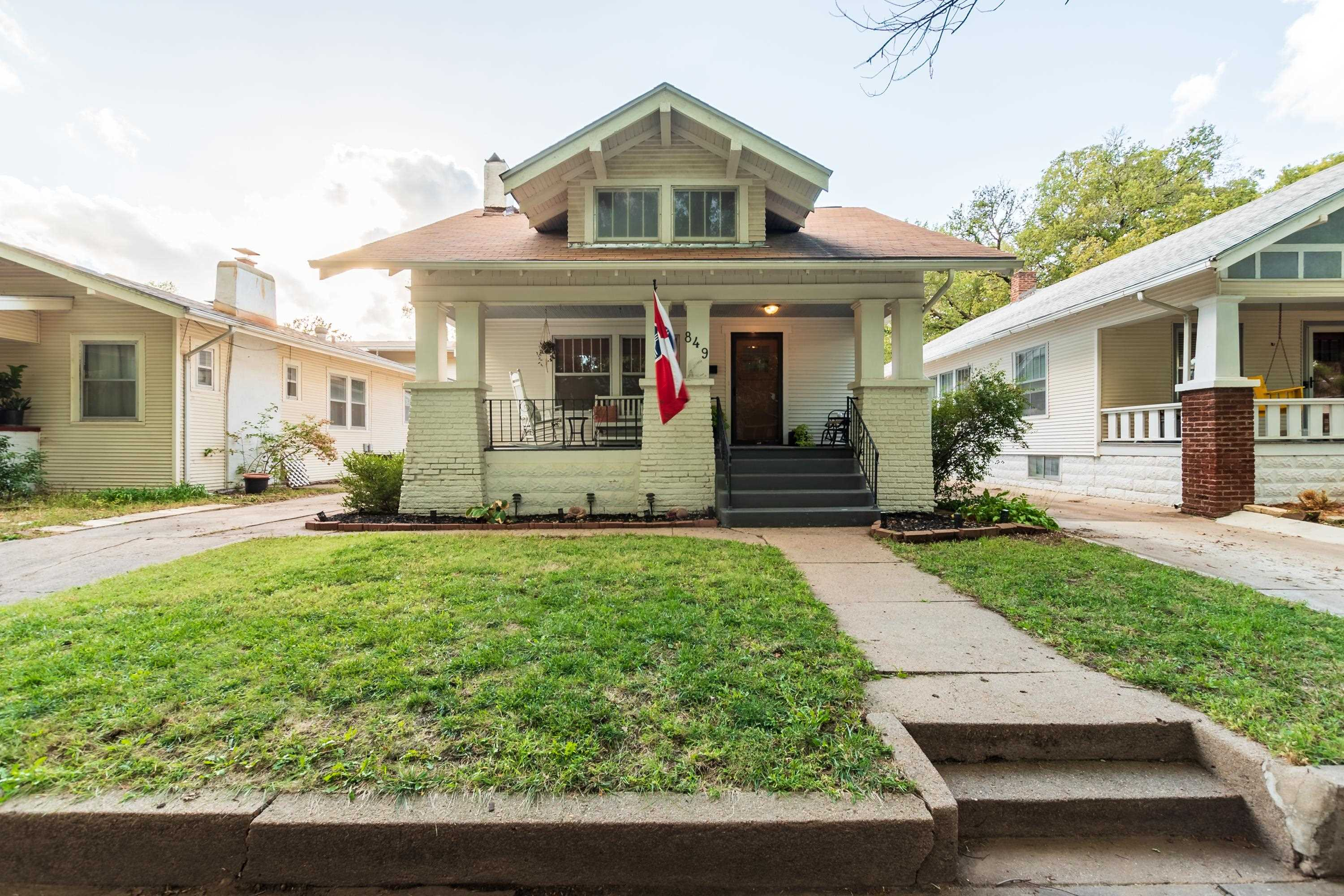 This beautiful Riverside bungalow is a show stopper! This home is a must see! The home features orig