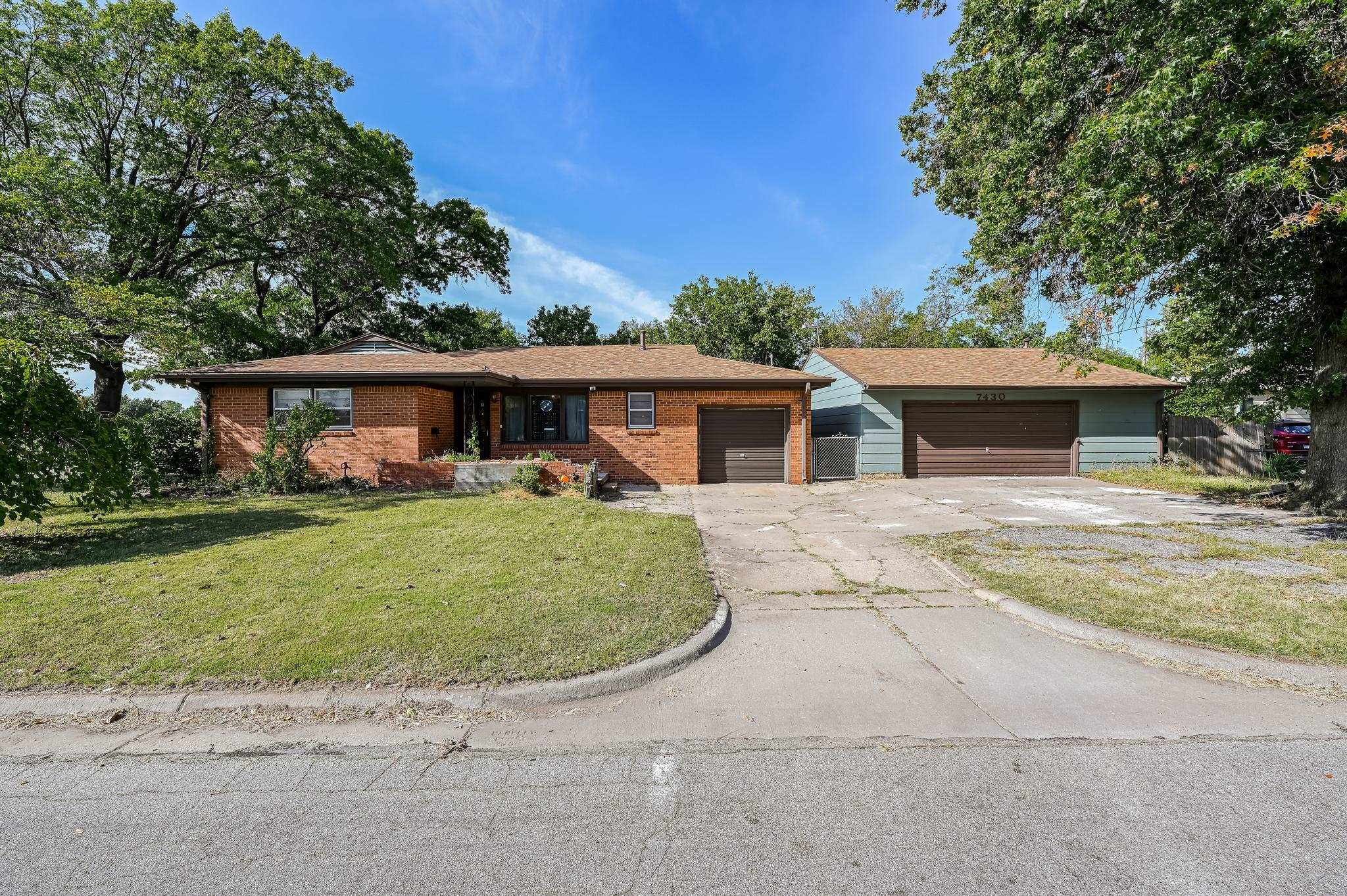 Large, beautiful ranch style home located across the street from Brownthrush Park! With it's spaciou