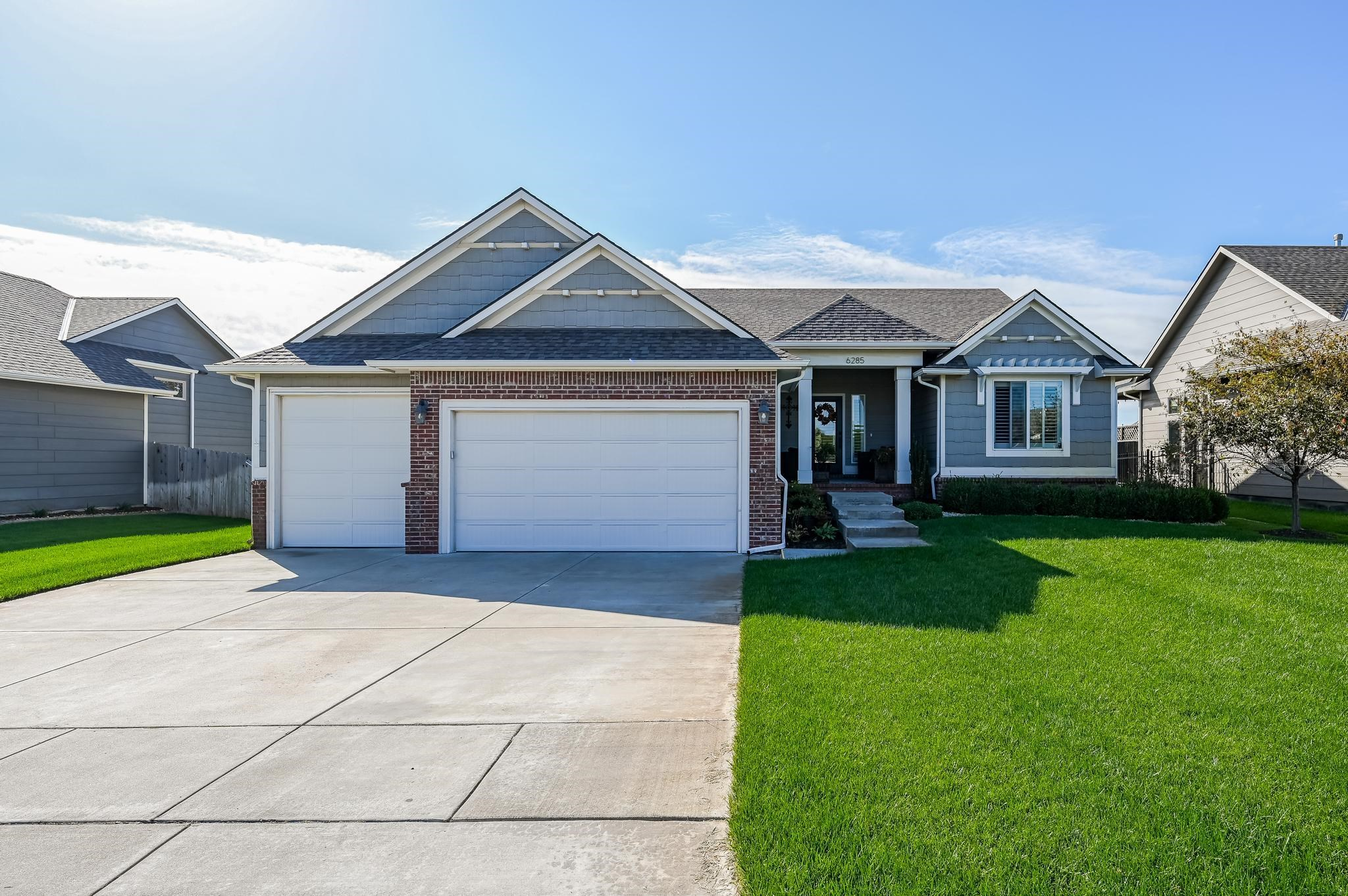 Welcome to this impressive home located in the highly desirable Edge Water subdivision. This is a 3