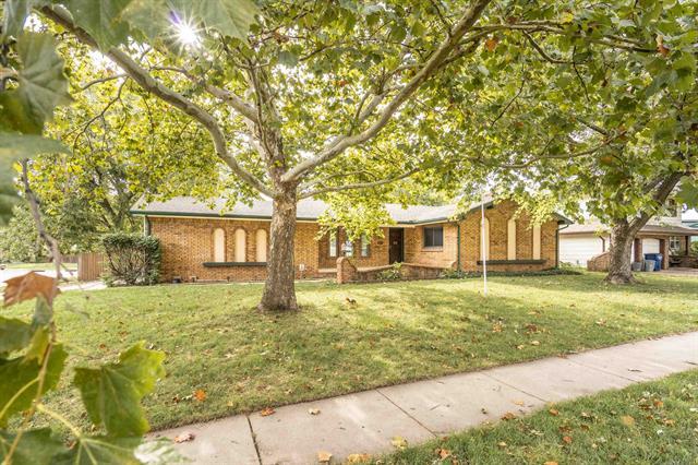 For Sale: 1154 S GOVERNEOUR RD, Wichita KS