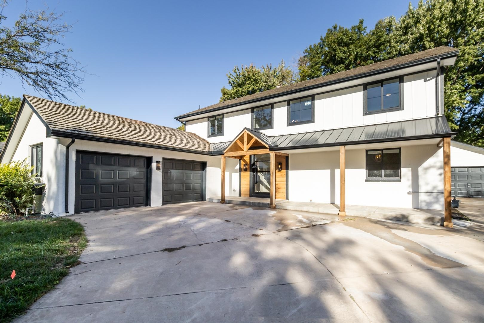 EXTREME HOME MAKE-OVER ALERT!!!   Welcome home to this fully renovated and expertly designed modern