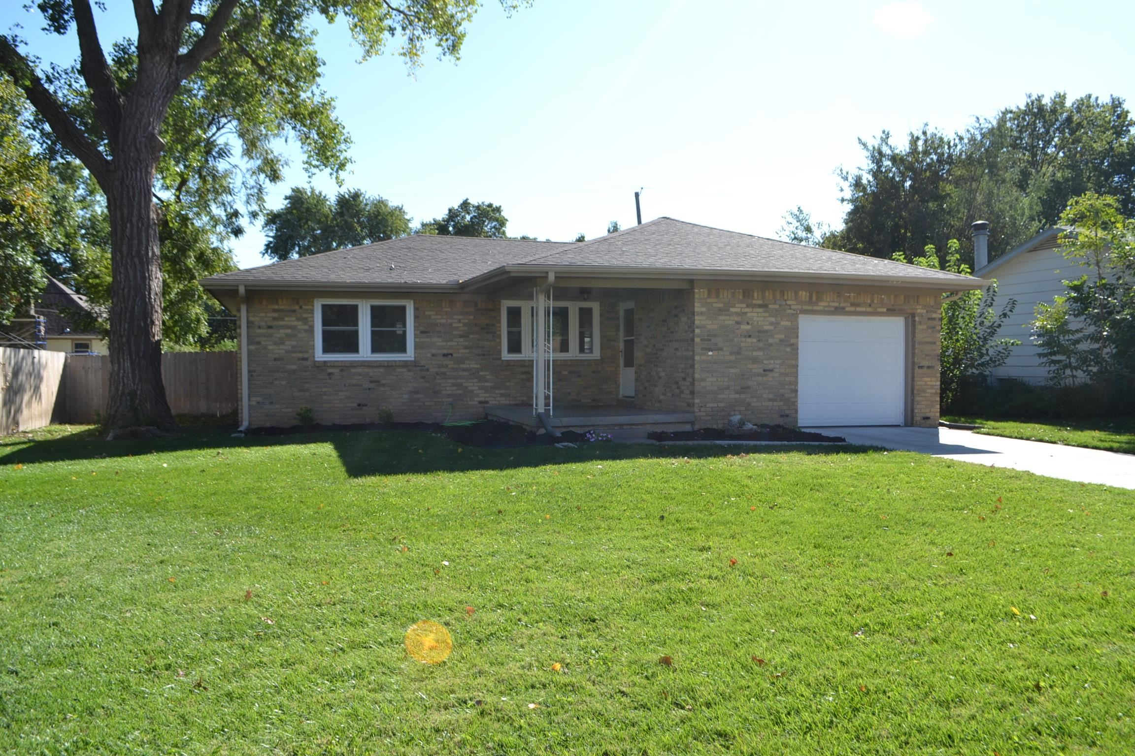 Super all brick ranch on a quiet street in Country Acres! Entryway with tile floor and coat closet!