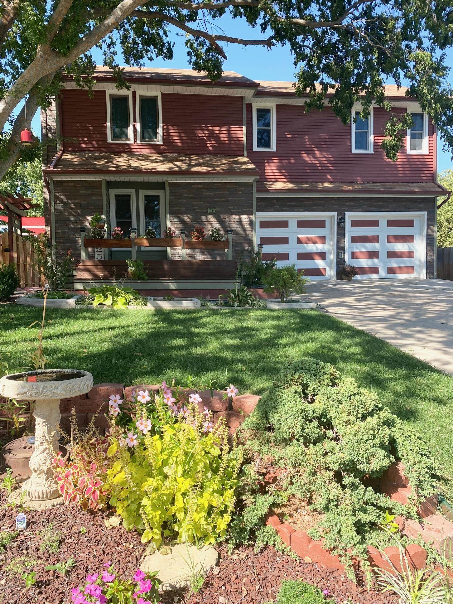 This unique property has been impeccably maintained and features newer siding and windows, huge mast