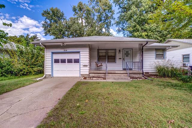For Sale: 814 W 7th St, Newton KS