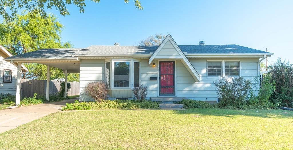 Don't miss your chance to own this move in ready charmer with lots of space!  The 2 bedroom 1 bath h