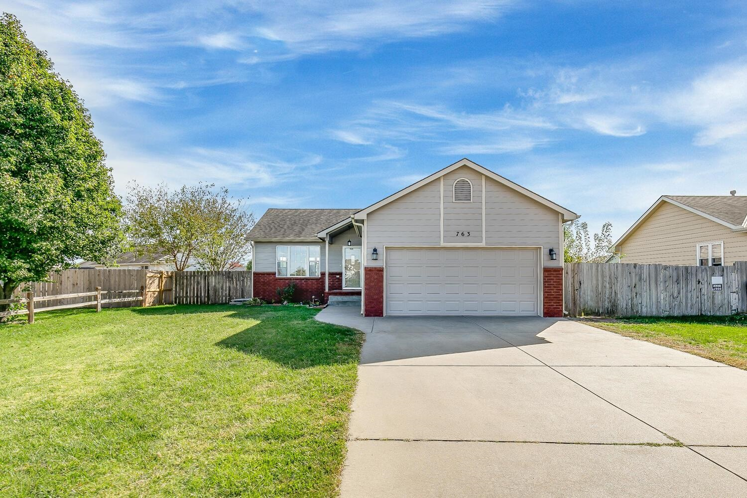 Welcome home to 763 Forest Ct Haysville, KS! Photos are of a similar home with exact floor plan. Thi