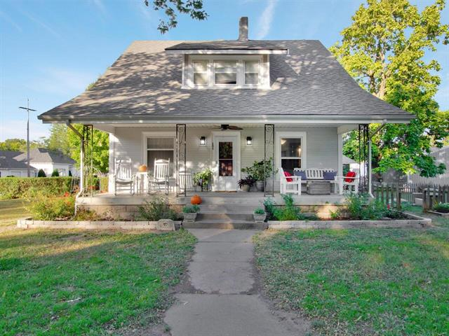 For Sale: 151 S Lee St, Clearwater KS
