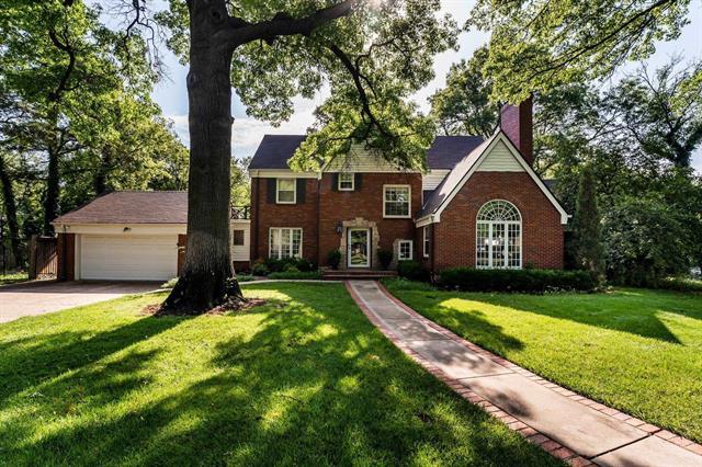For Sale: 6 N SAINT JAMES PL, Eastborough KS