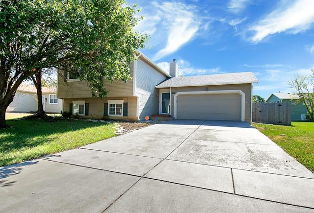 For Sale: 5405 E Mainsgate Rd, Wichita KS
