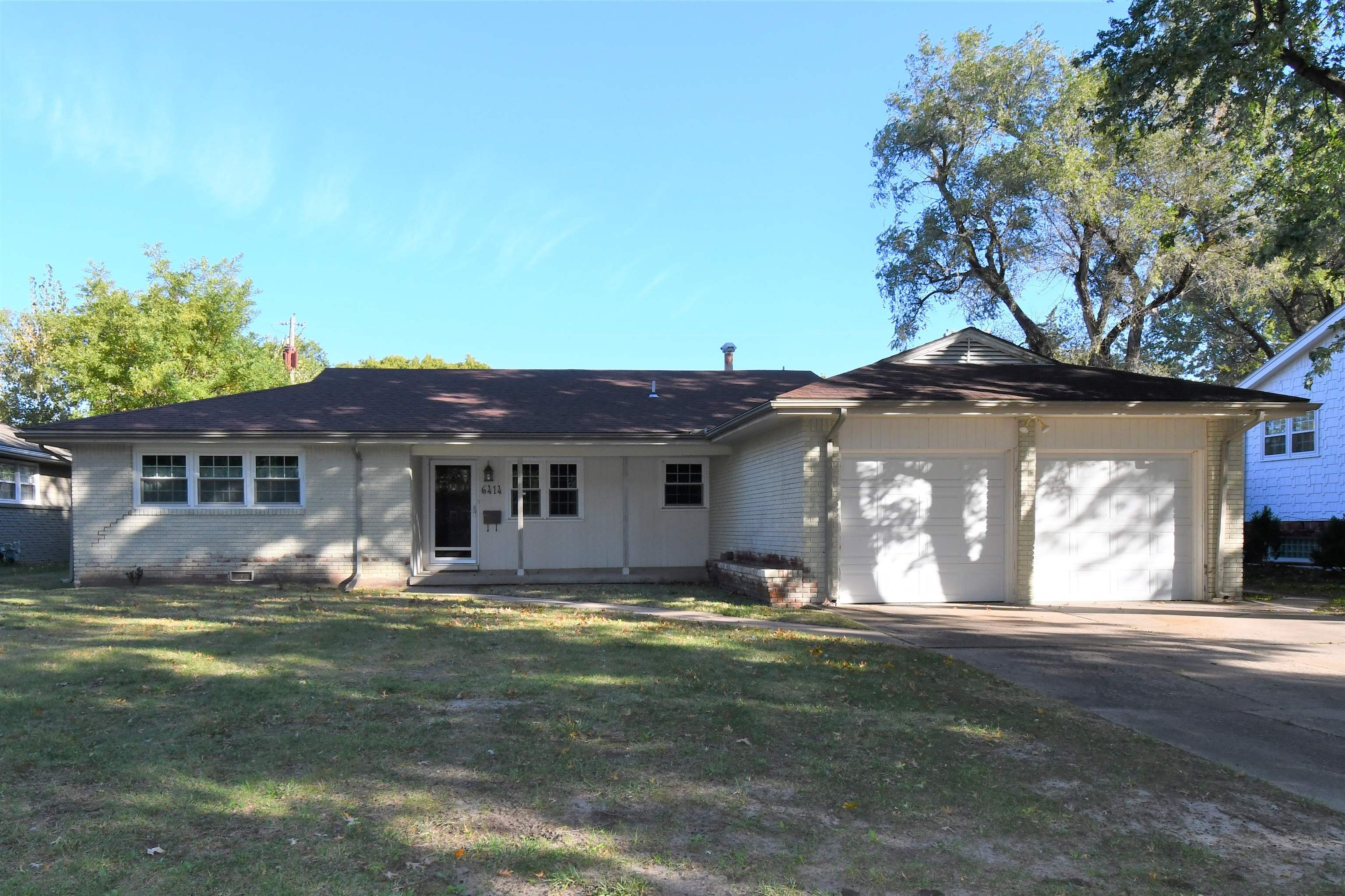 Wonderful 3 bedroom, 2 bath brick ranch located near shopping.  Home has newer HVAC, roof, electrical service.  Seller states that they have had foundation work done by Briggs Basement Foundation Repair.  13x9 shed/work shop out back.
