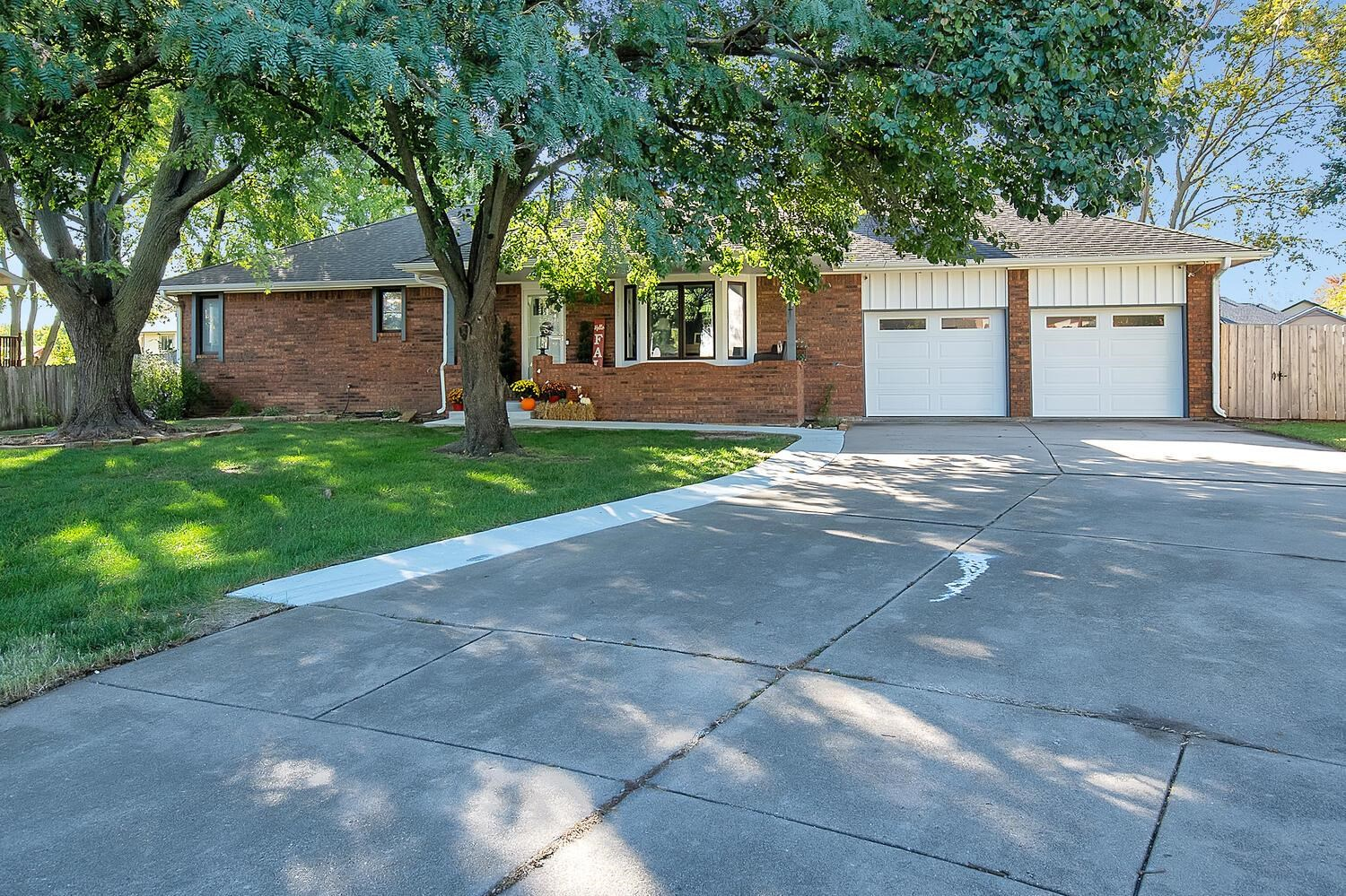 Newly remodeled home with a pool located in the sought after Andover School District! This all brick home has great curb appeal and is on a cul-de-sac lot. Seller's have made tons of upgrades to this beautiful 3 bedroom (4th non-conforming), 3 bathroom home located in Green Valley 1st addition! Beautiful new LVP floors have been added throughout the home and all woodwork has been freshly painted! The large main floor family room is flanked with an all brick fireplace perfect for cozying up this winter! Gorgeous granite countertops and new stainless appliances complete this amazing kitchen with patio doors leading to an awesome concrete deck and pool! The master bedroom has an adjoining remodeled master bathroom with a gorgeous vanity and walk-in shower. Two additional bedrooms are on the main floor. Downstairs has another large family/rec room, a 3rd bathroom, and an additional non-conforming bedroom! Don't miss out on this great home with no special taxes!