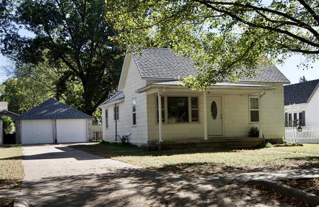 For Sale: 506 S Central Ave, Mulvane KS