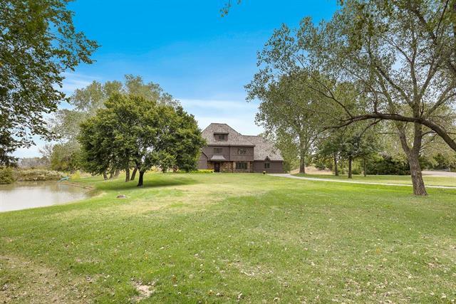 For Sale: 10670 E Snokomo Rd, Hutchinson KS