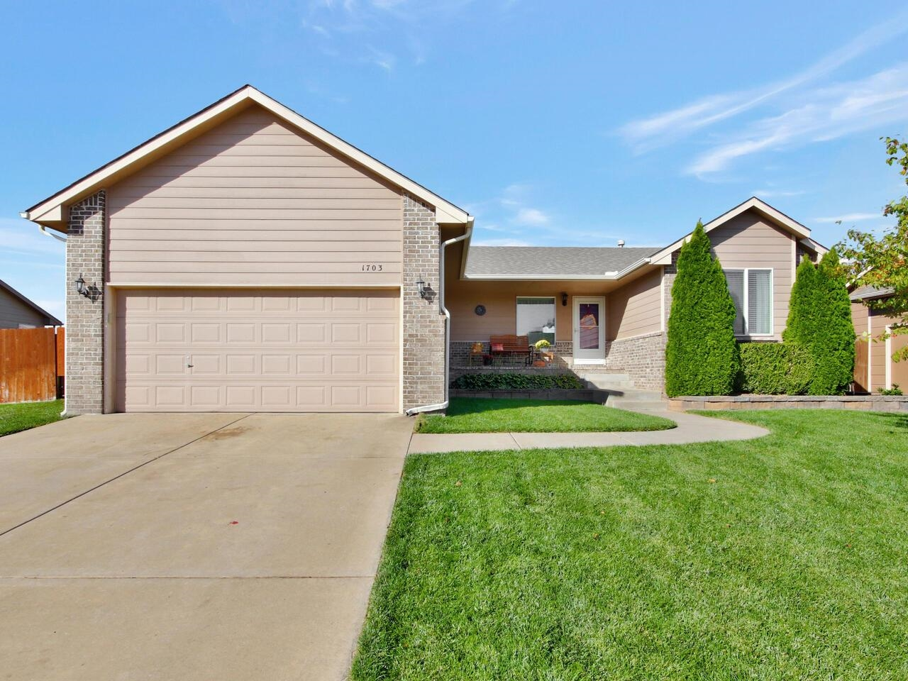 What a gem!!!    Absolutely gorgeous open concept home with split bedroom plan.    A must see to app