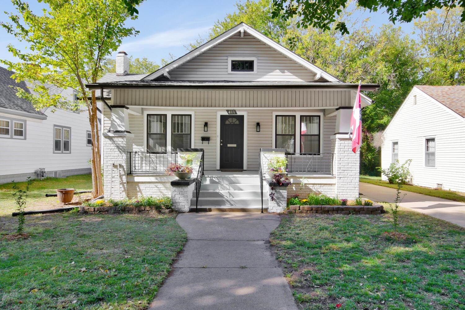 Beautifully updated with old College Hill charm, this 2 bedroom 1 bath bungalow is ready to be enjoy