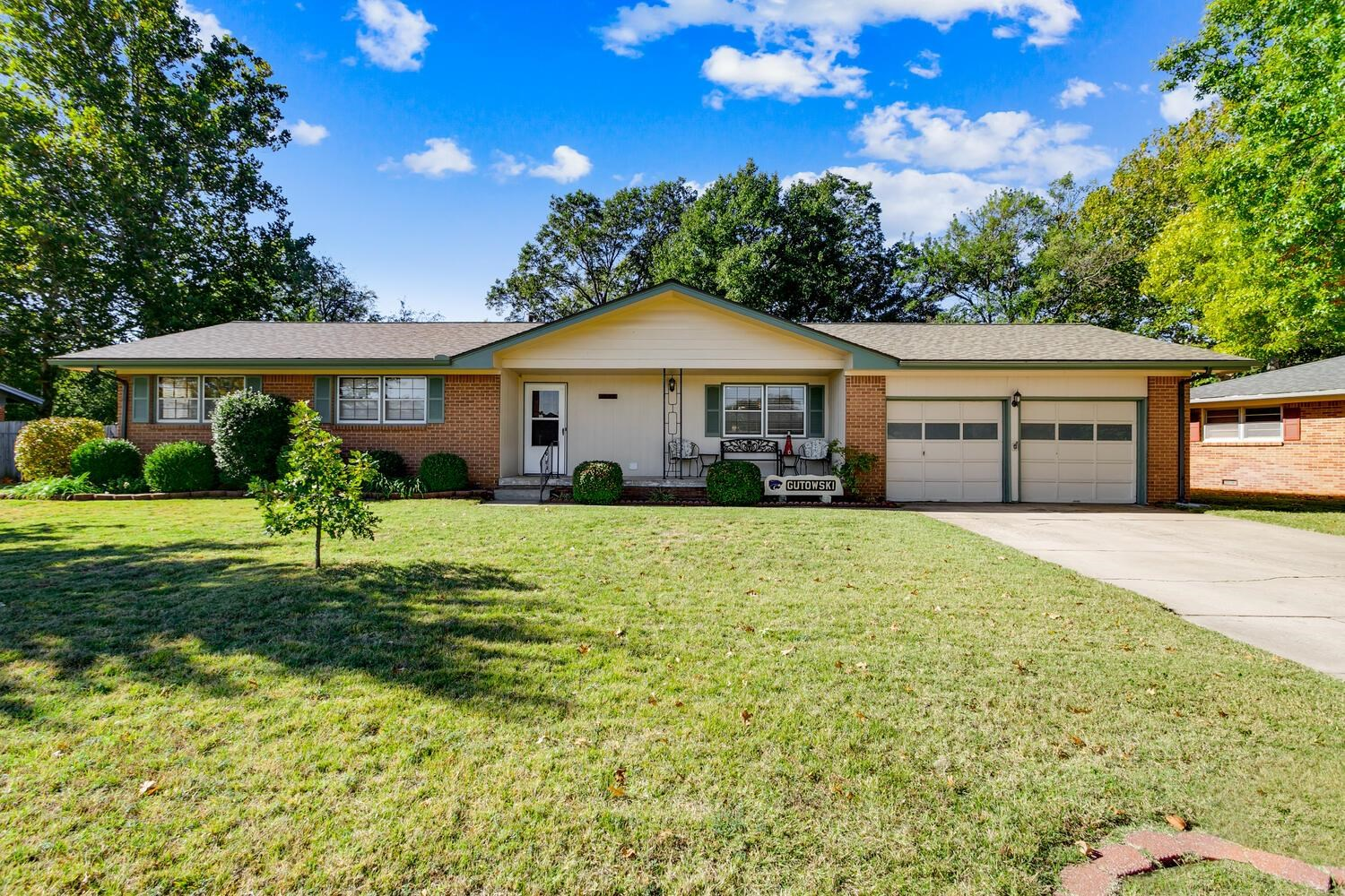 Spacious all brick home that has been very well maintained.  As you walk into the front door your wi