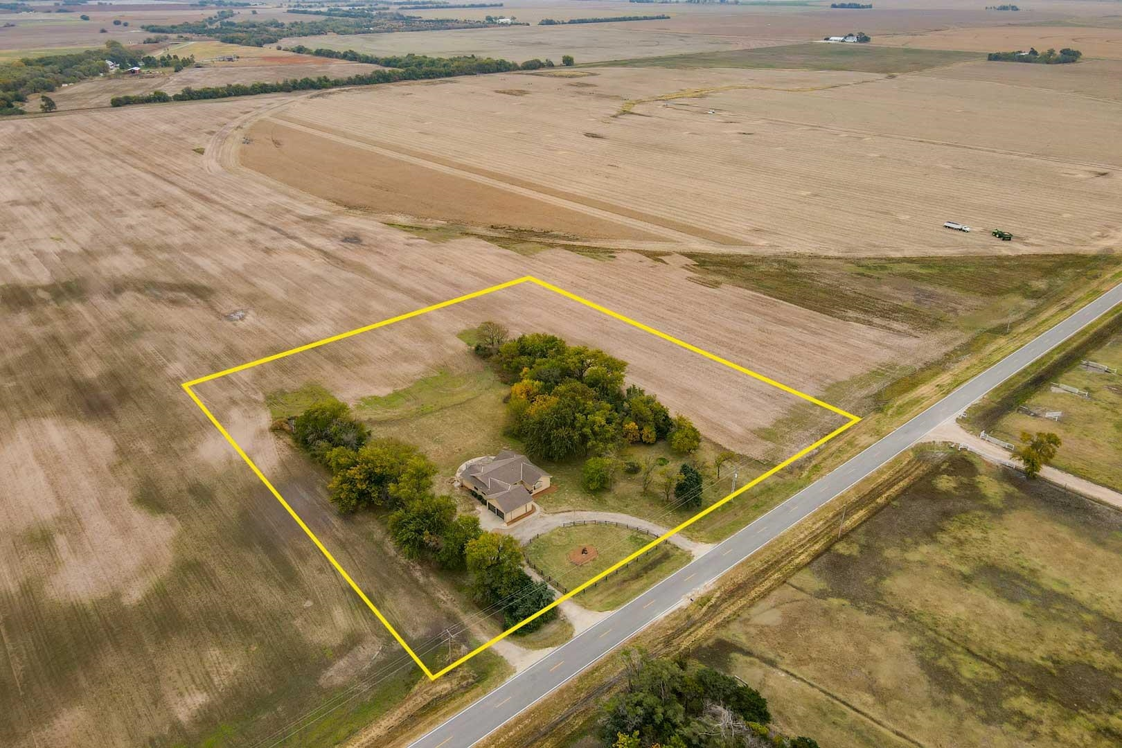 Property offered at ONLINE ONLY auction. BIDDING OPENS: Tuesday, November 9th, 2021at 2:00 PM (cst)