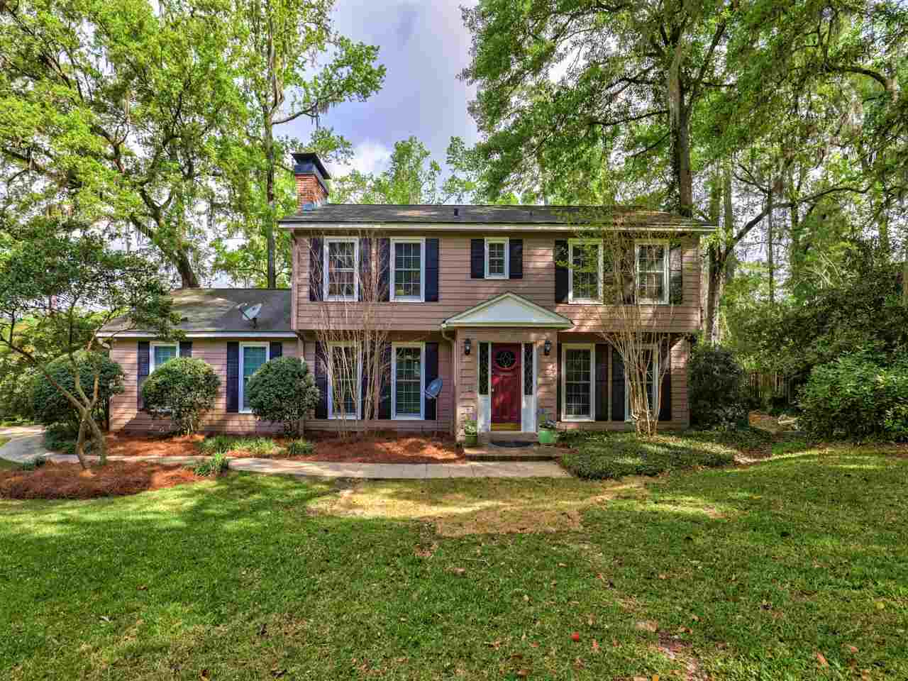 This 4285 sq ft home features a spacious master suite with fireplace and spa-like master bath including bidet, gourmet kitchen with butler pantry, stunning glass solarium, and the potential for multiple in-law suites. This home features walk in closets and so many extra storage features! This 3 story, 4 bedroom, 4.5 bath home with 2 car garage has been remodeled while maintaining its original character and charm making it ideal for multi-generational living and entertaining! Nestled in Betton Hill and only one block from Guyte McCord Park.