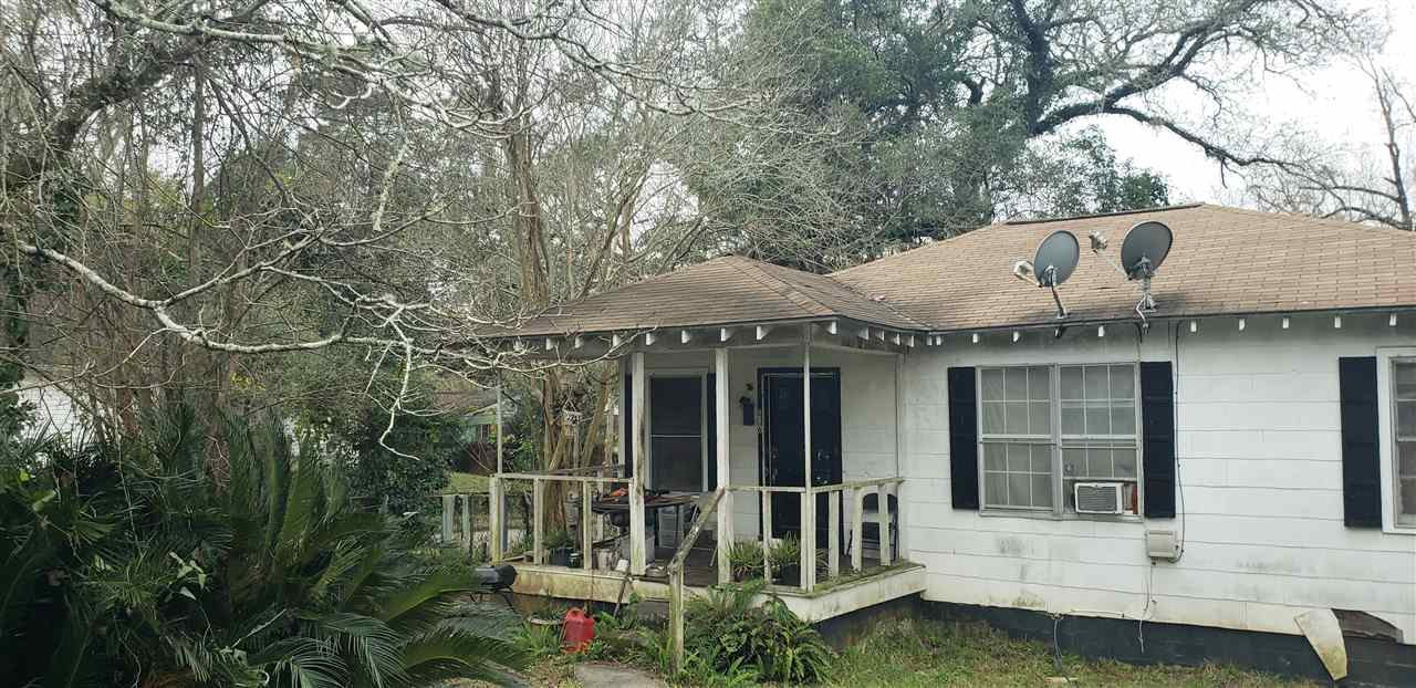 Great for investors. Lovely, tucked in the beautiful historical area of FLORIDA A&M university! This property is an investors dream. Won't last long. Great up and coming community!  Owner Financing option available with maximum 3 year payoff.
