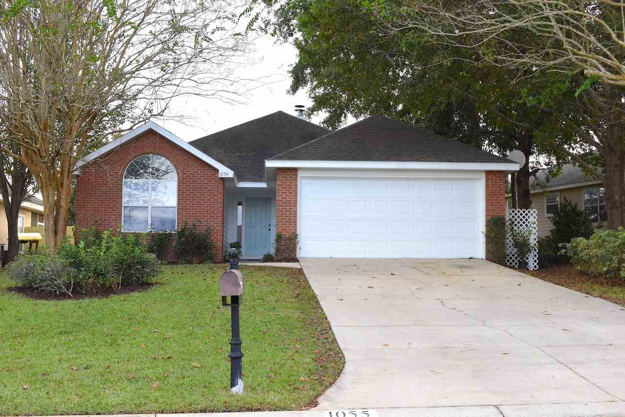 Wonderful 4 bedroom home in Piney Z.  New roof, new paint and inside and out. Must see!