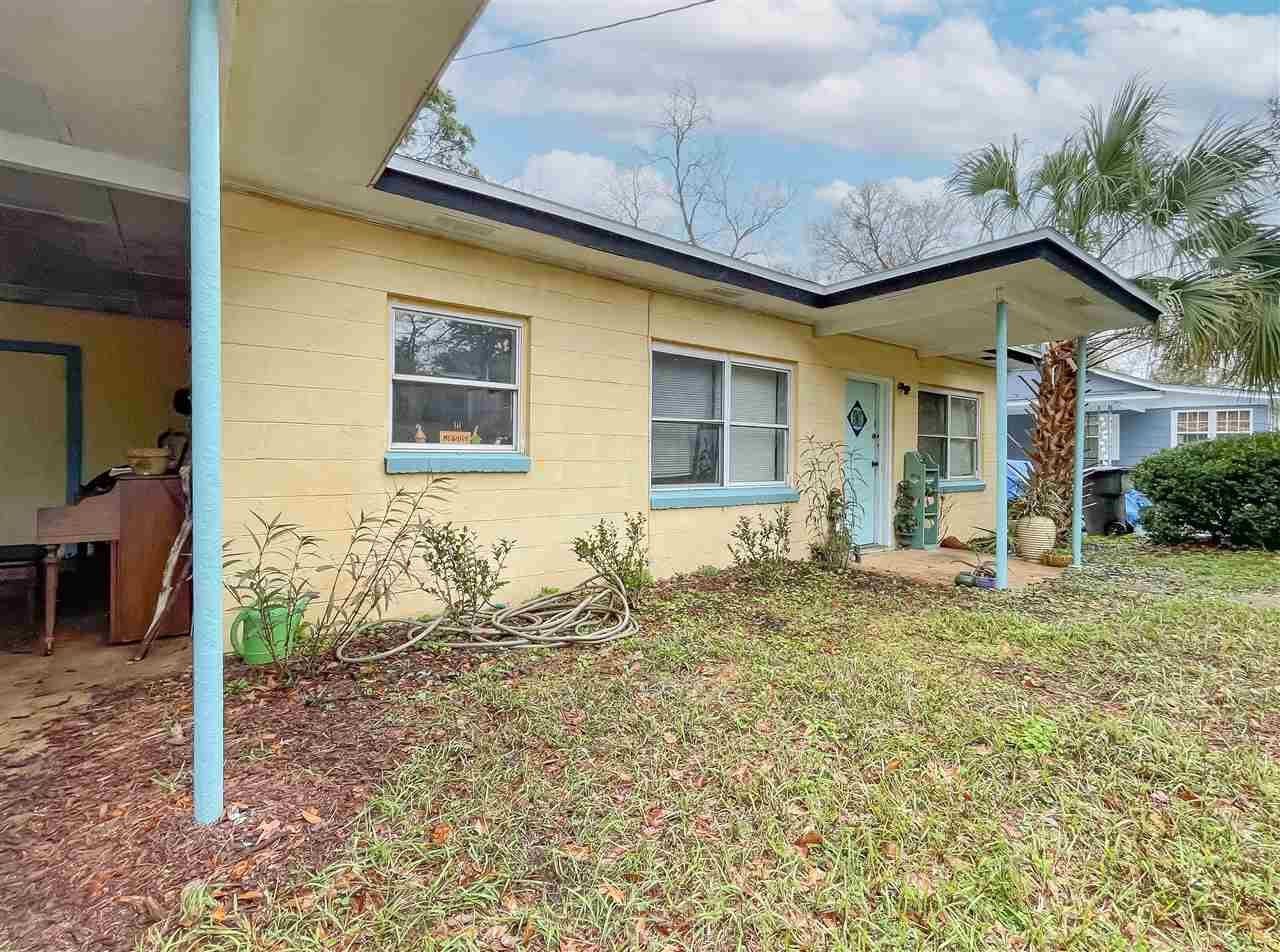 Cute 2 bedroom home just a minute to FSU!! This property would make an excellent rental investment or home for a student! New roof! Call to see today!