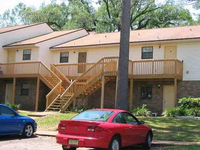 Calling Investors!!! Ideally located to FSU, 1.5 miles to Stadium; Ready to rent furnished 1 bedroom/1 bath for those who want their privacy as a young professional or a college/grad student. First floor end unit is directly next to the large inground swimming pool, covered patio party area and tennis courts. Combo living/dining room, walk-in closet, low maintenance ceramic tile and vinyl plank (no carpet), all appliances including a microwave, washer & dryer, bed, dining table and couches included. Outdoor covered patio with storage closet for bikes or other equipment. Always enough free parking here!! call for documented rental history.