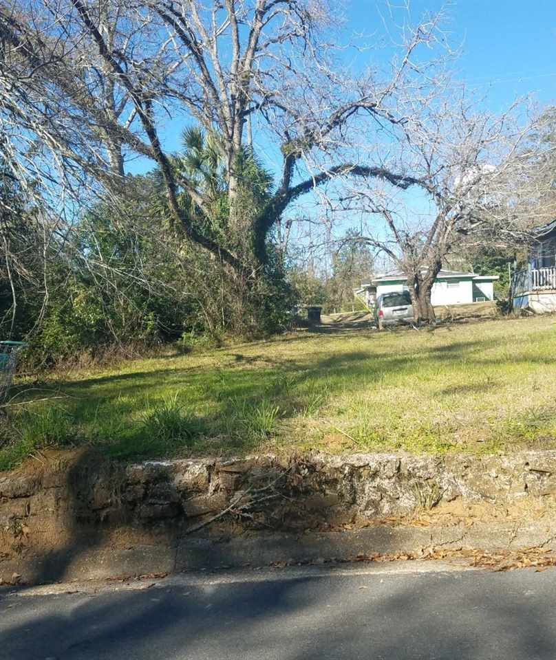This high, dry, buildable parcel has road access on two streets.  It is conveniently located in the neighborhood of Griffin Heights and is within minutes of downtown Tallahassee or the Universities.
