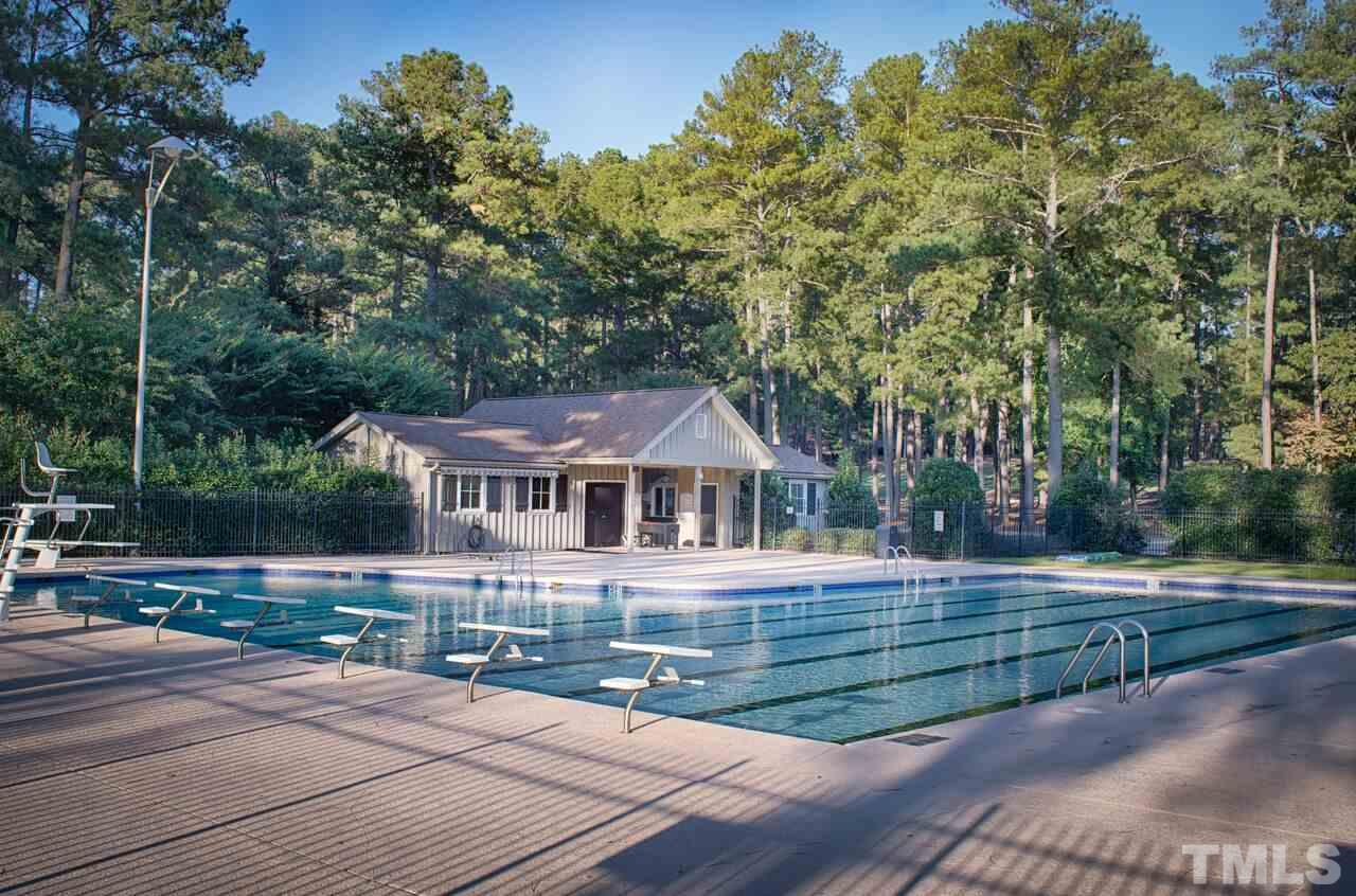 605 QUEENSFERRY ROAD, CARY, NC 27511  Photo
