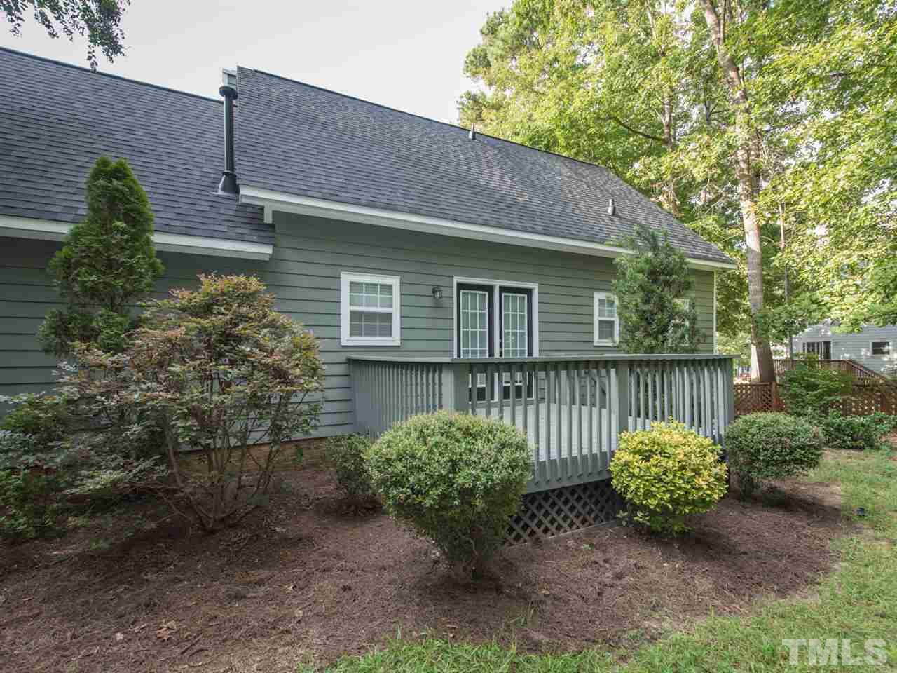105 HOLLOWED COURT, HOLLY SPRINGS, NC 27540  Photo